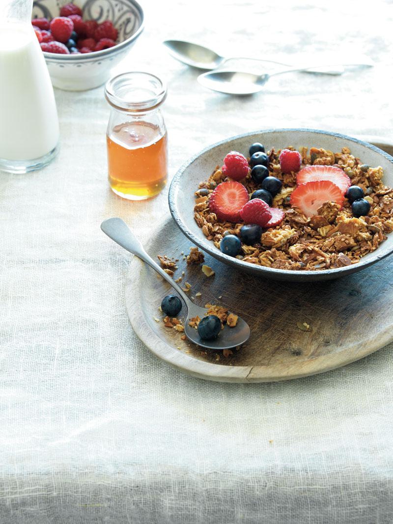 Fruit and honey granola
