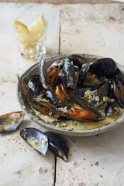 steamed-mussel-pot